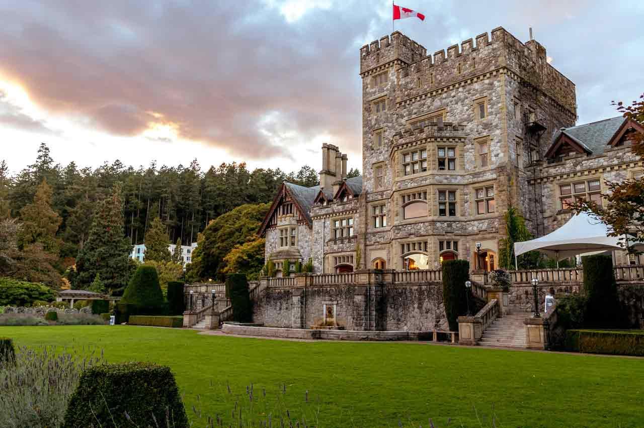 Định cư Canada cần bao nhiêu tiền