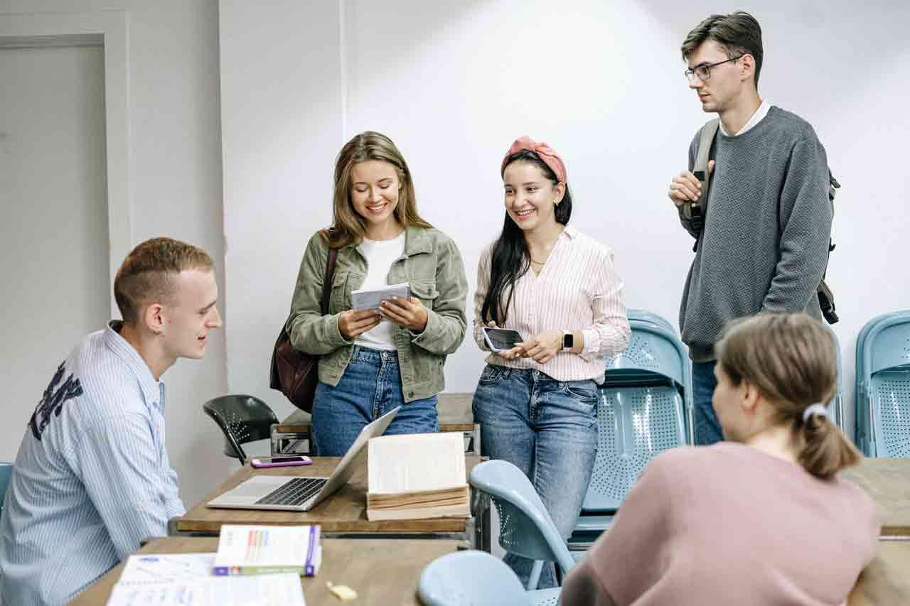 Giáo dục ở Châu Âu khác Mỹ về chương trình và đào tạo