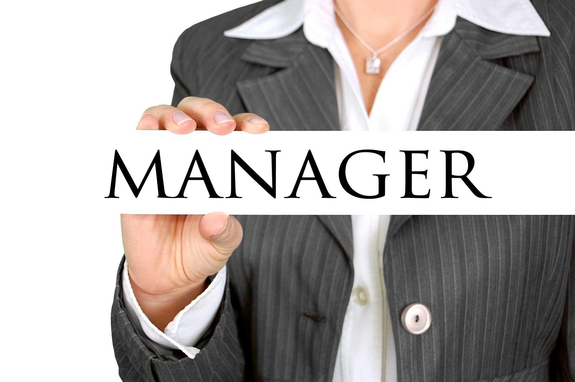 Nắm giữ chức vụ quản lý  khi tham gia định cư Canada diện đầu tư