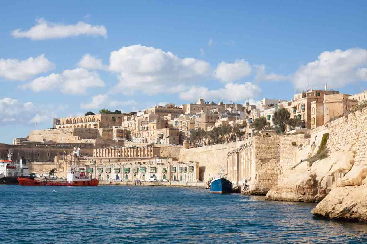 Mua quốc tịch Malta