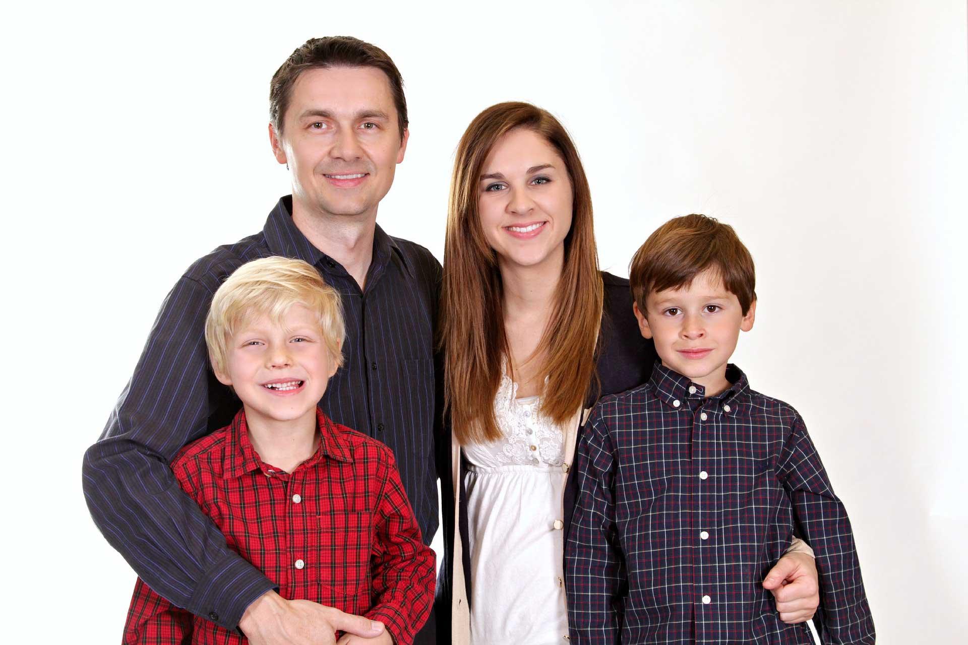 Đi định cư Canada đưa cả gia đình đi cùng