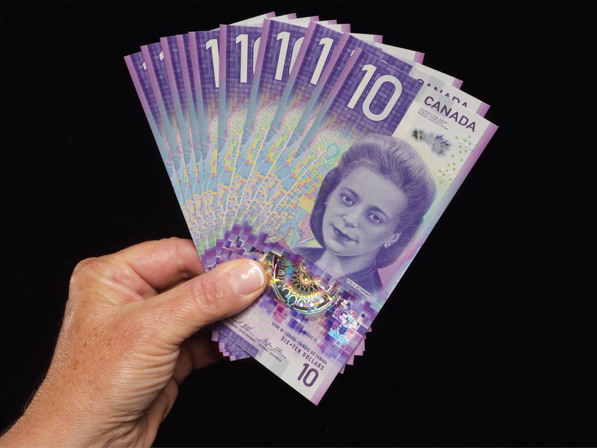 Tiền canada hôm nay đồng10 dollar