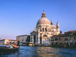 Du lịch Châu Âu nước nào rẻ nhất
