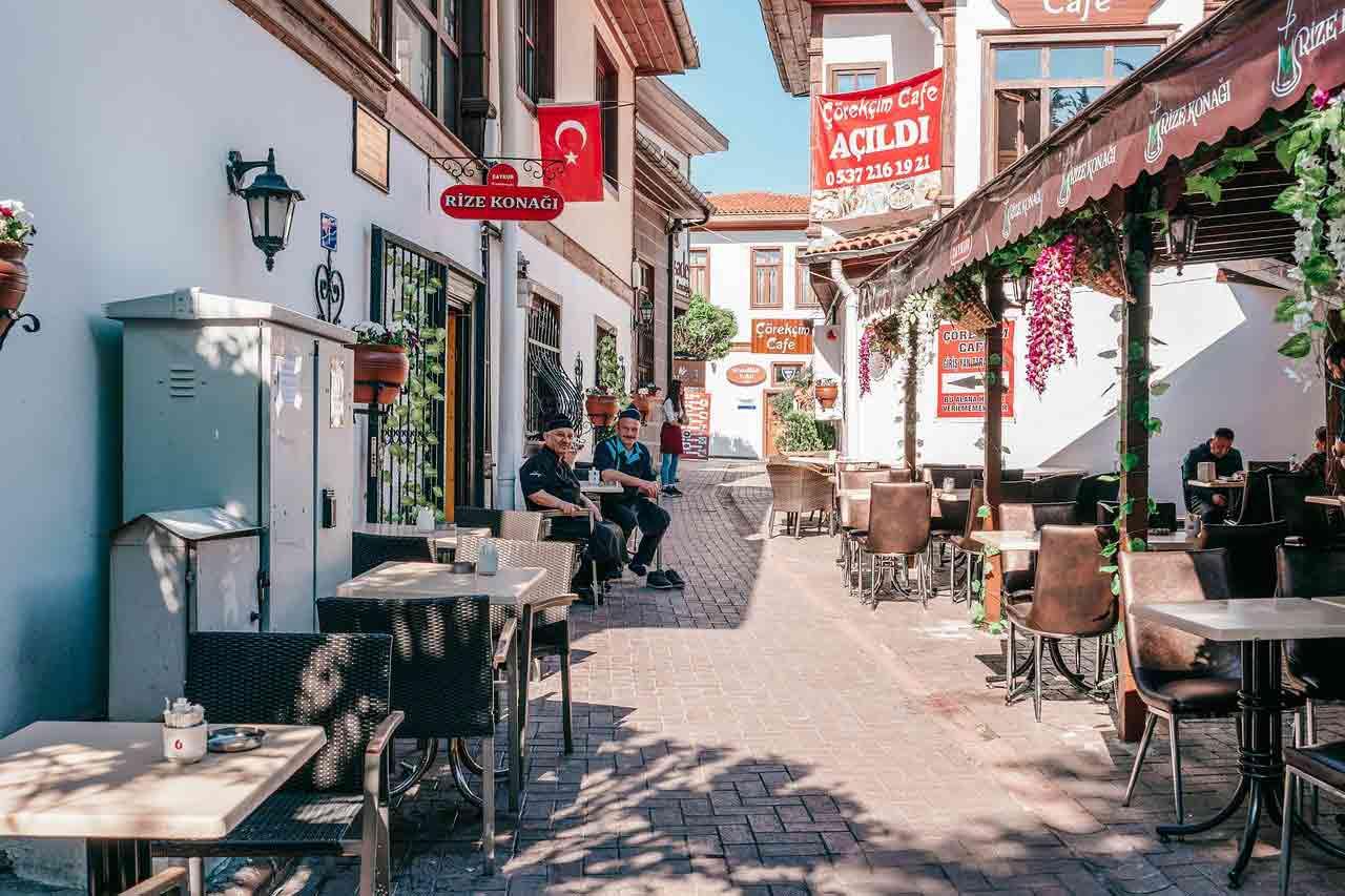 Du lịch Thổ Nhĩ Kỳ khu phố ăn uống