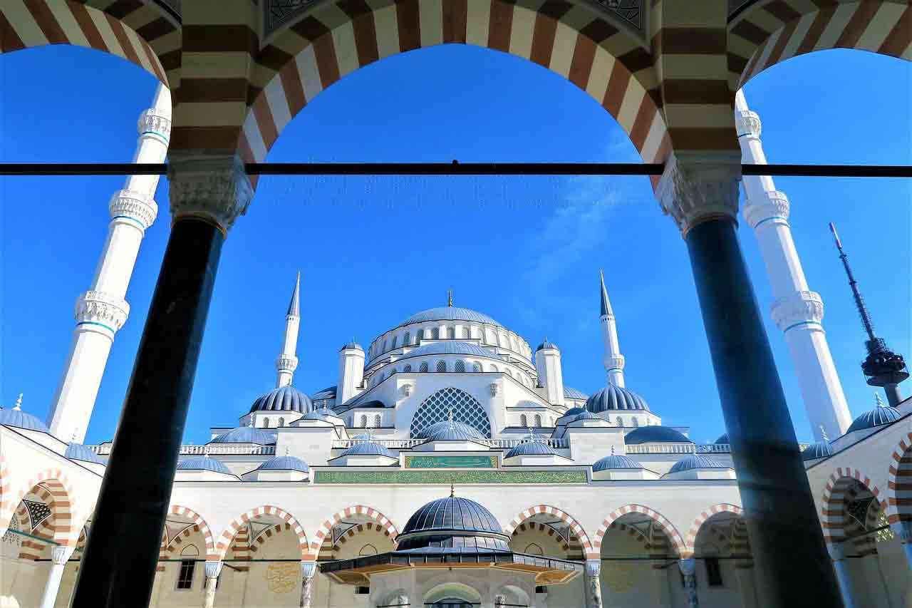 Nhà thờ du lịch Thổ Nhĩ Kỳ